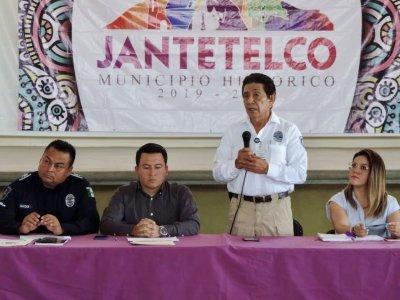 """<a href=""""/noticias/toma-de-protesta-los-integrantes-del-consejo-municipal-de-seguridad-publica-en-jantetelco"""">Toma de protesta a los integrantes del Consejo Municipal de Seguridad Pública en Jantetelco</a>"""