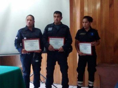 """<a href=""""/noticias/entrega-de-reconocimientos-policias-de-tetela-del-volcan"""">Entrega de reconocimientos a policías de Tetela del Volcán </a>"""